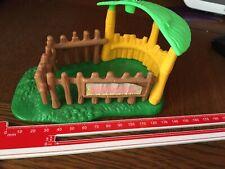 Vintage Kenner Strawberry Shortcake Tropical Animal Shelter Stylo avec Gate