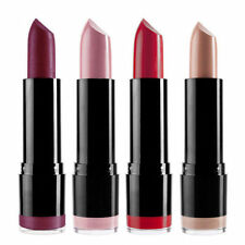 Lippenstifte im sortimenten Farbton