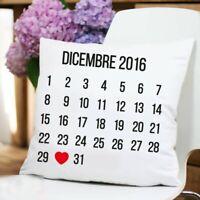 Cuscino Personalizzato con Calendario Mese dell'Anniversario e Cuoricino