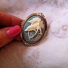 Gran aspecto Vintage Pin broche con camafeo de delfines 50mm X 40mm Plata Azul Blanco