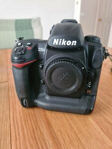 Nikon D3x 24.5 MP Digital SLR Camera, very low shutter count at 7981