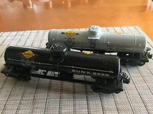 Vintage Postwar Lionel 2855 Black and 2855 Gray Sunoco Tank Car-- O Gauge