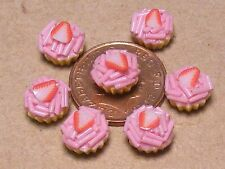 1:12 Scale 7 Loose Strawberry Cup Cakes Dolls House Miniature Accessory PL4