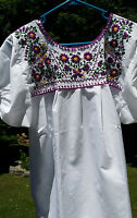 Puebla Mexican Blouse Top Shirt White Embroidered Flowers Floral M Medium
