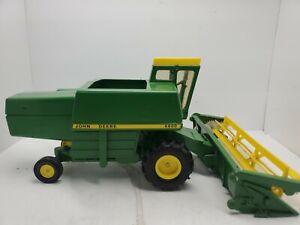 John Deere 6600 Combine 1972 1/24 Scale