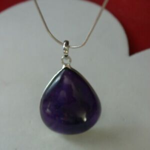 """Nice 925 Silver Pendant With Caboshion Amethyst 4.5 X 3 Cm. Wide 20"""" 925 Chain"""