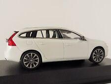 Volvo V60 Break 2013 Blanc Métallisé Modèle de Voiture 1 43 / NOREV