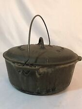 Griswold #9 Tite Top Cast Iron Dutch Oven BLOCK LETTER Logo on Lid 11""