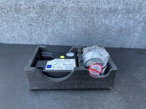 MERCEDES W205 C250 C300 C63 TIRE AIR COMPRESSOR PUMP W/ HOLDER 0005832202 OEM