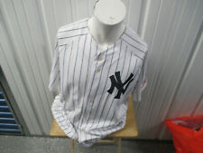 VINTAGE MAJESTIC NEW YORK YANKEES PINSTRIPED XL JERSEY 2000 WORLD SERIES PATCH