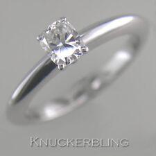 Very Good Cut Oval White Gold VS2 Fine Diamond Rings
