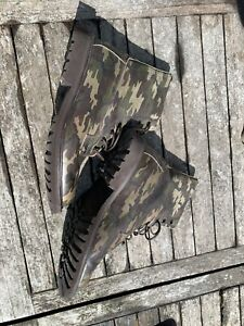 Trickers Camouflage Leather Boots Size 9