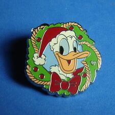 Disney Pin Dlr Donald Holiday Wreath Christmas Hotel Cast Lanyard