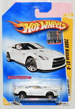 HOT WHEELS 2009 NEW MODELS 2009 NISSAN GT-R #01/42 WHITE FACTORY SEALED