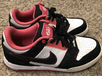Nike Black AIR Mogan 2 Women's (386615-100) Sneaker Shoe Size 8.5 VG PREOWNED