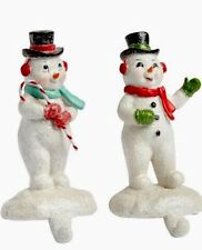 S/2 FROSTY SNOWMAN STOCKING HOLDER OLD FASHIONED WREATH HOLDER SWAG GIFT
