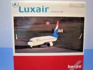 "HERPA WINGS 1:200 SCALE "" LUXAIR BOEING 737-800 "" COMMERICAL AIRLINER 556590"