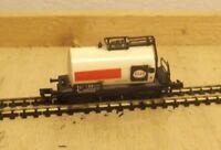 """ARNOLD N 4331 2achs.  Kesselwagen """"Esso"""" der DB Epoche III"""