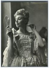 La comédienne Joëlle Lisber  Vintage silver print Tirage argentique  13x18