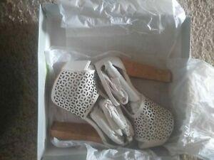Women's Jessica Simpson Dany 5 Platform Sandal Heels Leather Soft White Size 5