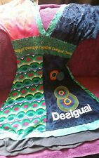 Robe  DESIGUAL  TAILLE M manche courte  vert bleu