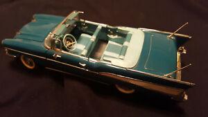 1957 CHEVY BEL AIR - Danbury Mint 1:24 CHEVROLET - Diecast car  w/ Box COA Title
