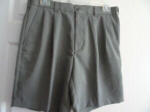 IZOD Men's Size 36W Sage Green Bermuda Shorts-NWT-Pockets-Pleated Front-Belt Loo
