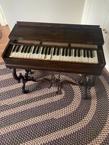 Antique Rose Wood Melodeon pump organ from late 1800's