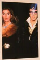 Elvis Presley Candid Photo Elvis and Linda Thompson