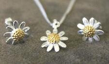 Solid Sterling 925 silver daisy flower pendant and earrings set free gift box