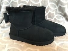 UGG Women's Size 7 NAVEAH Classic Bootie Black Bows Suede 1012808 Cute Cozy