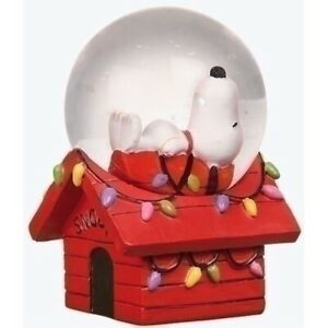 2.7 Inch Tall Snoopy Holiday Mini Dome 4MM