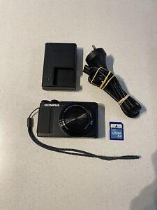 Olympus Stylus XZ-10 Digital Camera