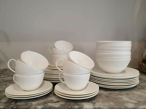 Wedgewood GIO Dinnerset**Excellent Condition**50% off RRP**9Place setting