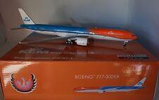 Phoenix PH20137 Boeing 777-306ER KLM PH-BVA 'Orange Pride' (with stand) 1:200