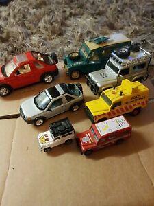 Mixed Land Rovers Matchbox Britains