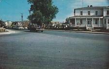 Rond Point dans la ville d'AMQUI , Quebec , Canada , 50-60s