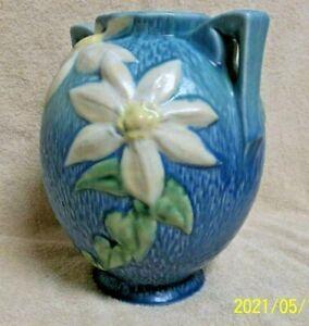 """VINTAGE ROSEVILLE BULBOUS VASE """"CLEMATIS"""" #107-8 - BLUE w/WHITE FLOWERS - CLEAN"""