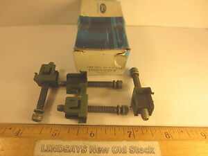 4 PCS FORD 1981/1985 ESCORT & MERCURY LYNX SCREW & NUT ASY (HEADLAMP ADJUSTING)