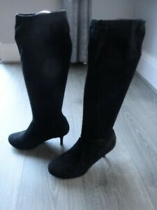 BLACK FAUX SUEDE KNEE LENGTH BOOTS UK SIZE 5 - WORN A COUPLE OF TIMES