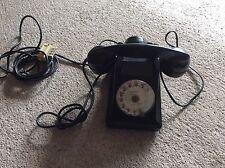 Ancien telephone en Bakélite (estampé propriété de l État)