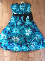 Ladies Bay Size 8 Carrie Print Bow Blue/Green Jewel Prom Dress With Tags
