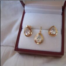 9ct/375 Yellow Gold Cubic Zirconia Tear-Drop Pendant and Earrings Set& GF Chain