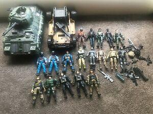GI Joe Big Lot - 18 soldiers and 2 vehicles