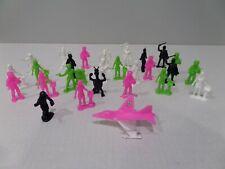 Timmee Vintage Space Aliens Sci Fi Plastic Figures