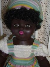 """Jolie poupée noire  ancienne de la marque """" GEGE """" , de 54cm"""