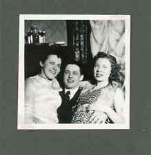 En famille Vintage silver print Tirage argentique  6x6  Circa 1935  <div s
