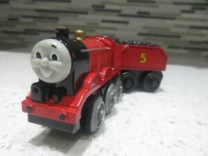 Thomas Wooden Railway Train JAMES MOTORIZED Battery Operated W/TENDER 2002 Works