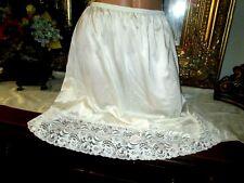 vtg Vanity Fair white nylon lots of lace half slip petticoat lingerie size XL