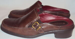 NATURALIZER, LADIES  BROWN  SOFT LEATHER SLIDE, SIZE   7 1/2  M